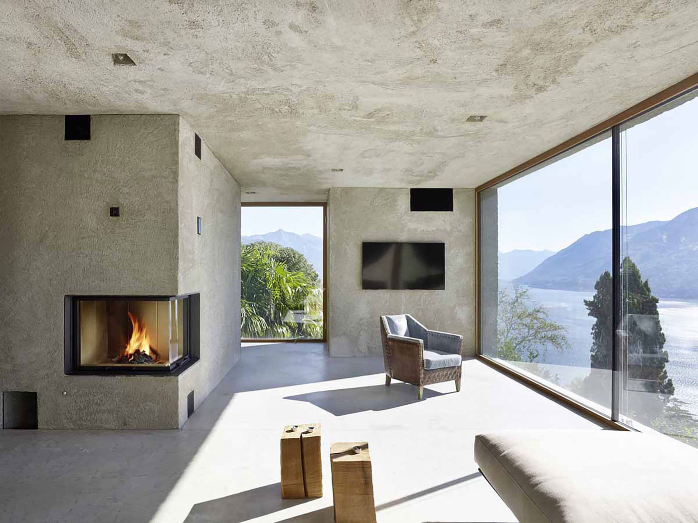 Lago Maggiore Villa by Wespi de Meuron Romeo Architects | Yellowtrace