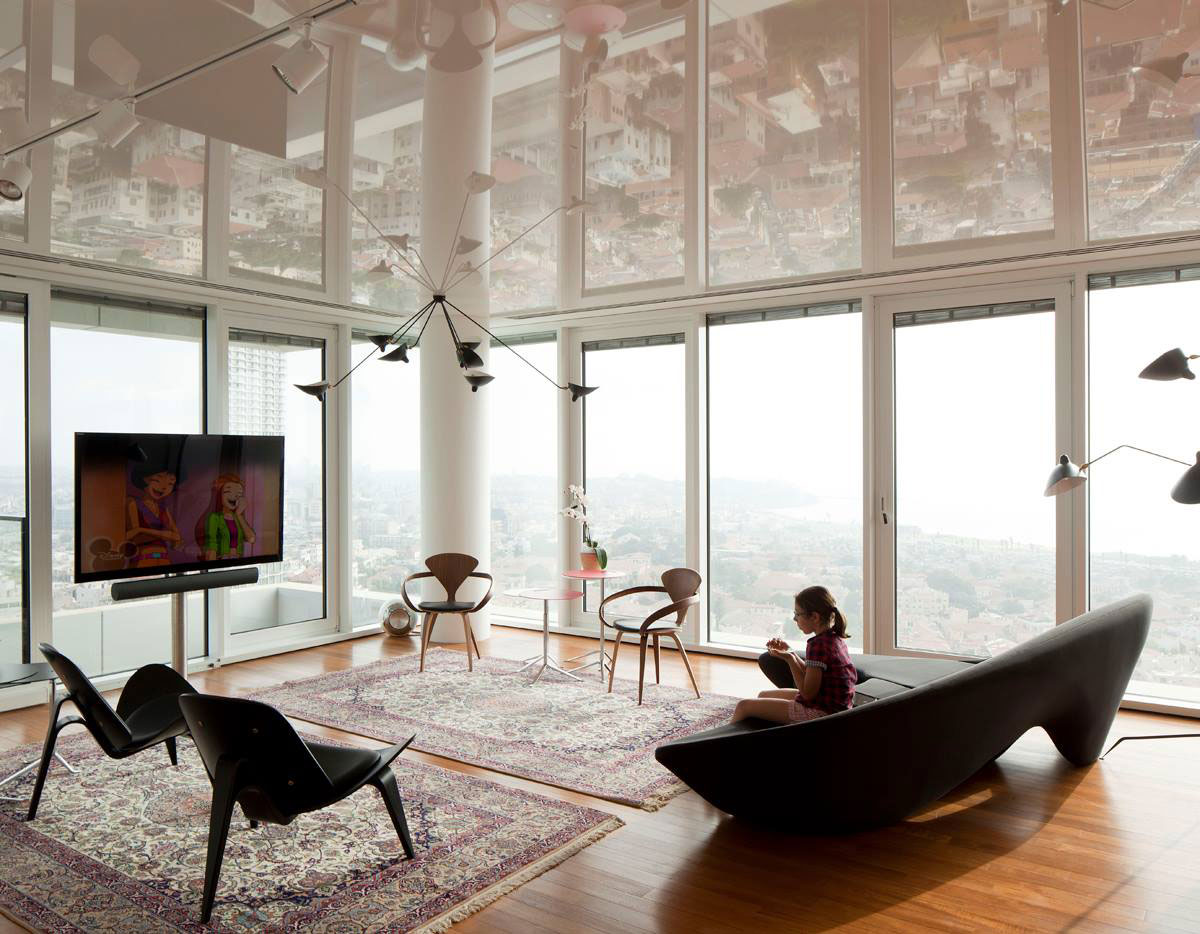 R1T Apartment by Paritzki Liani Architects | Yellowtrace