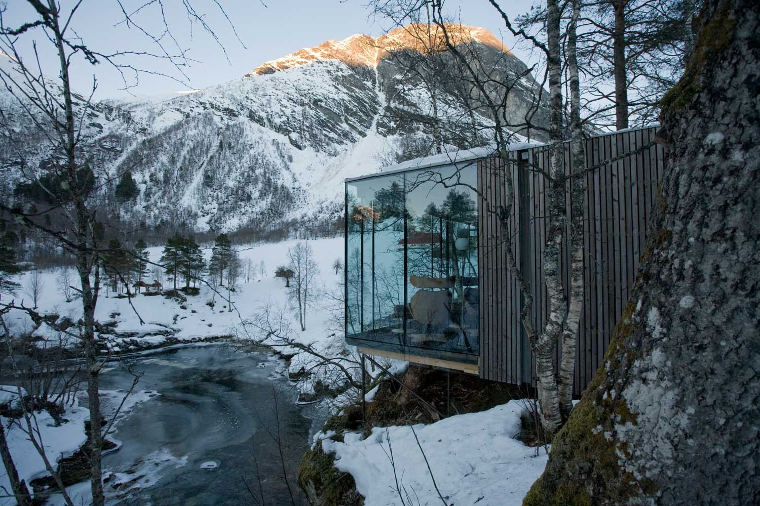 The Juvet Landscape Hotel by Jensen-and-Skodvin Architects | Yellowtrace