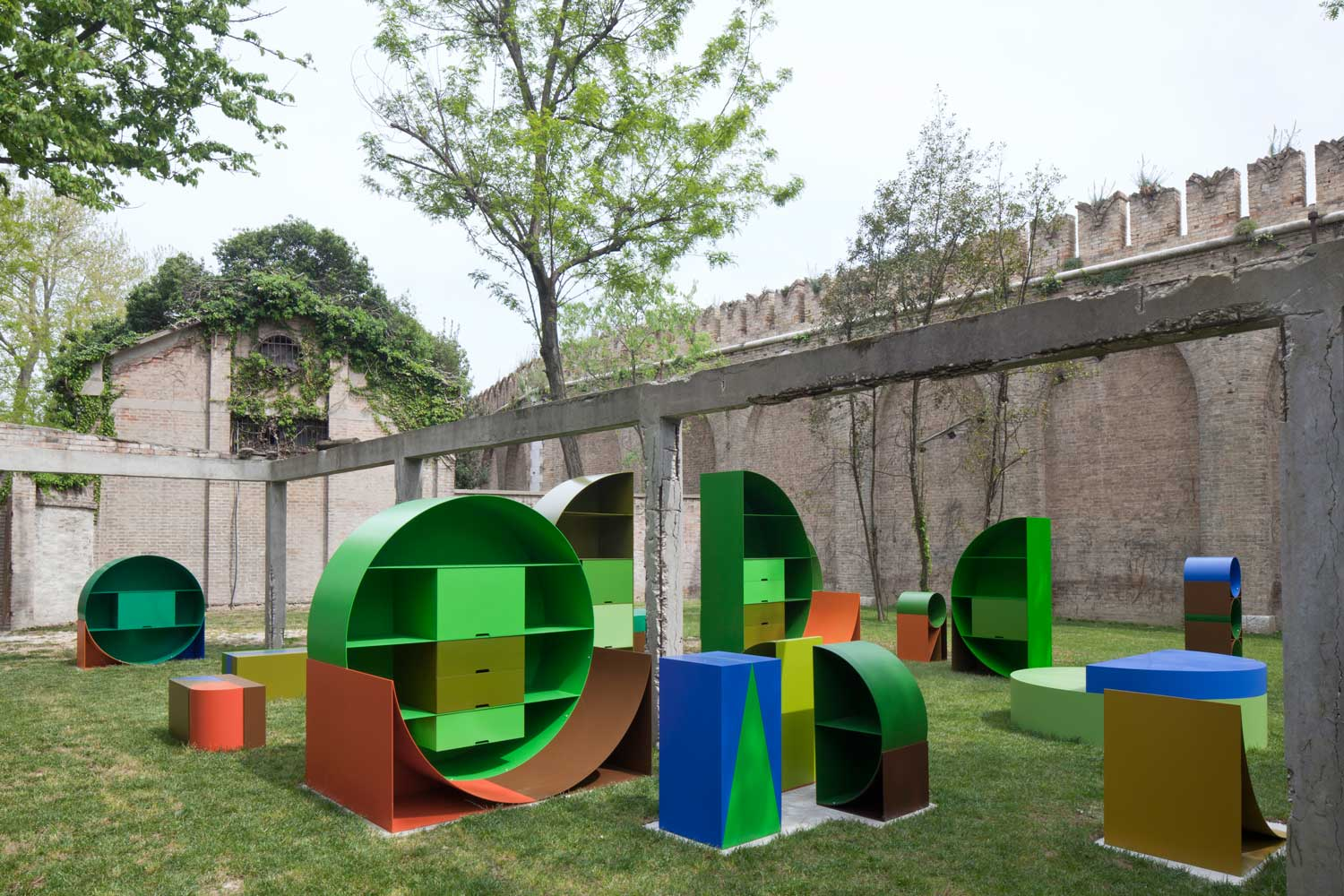Labour Garden by Emily Floyd Venice Biennale 2015   Yellowtrace-02