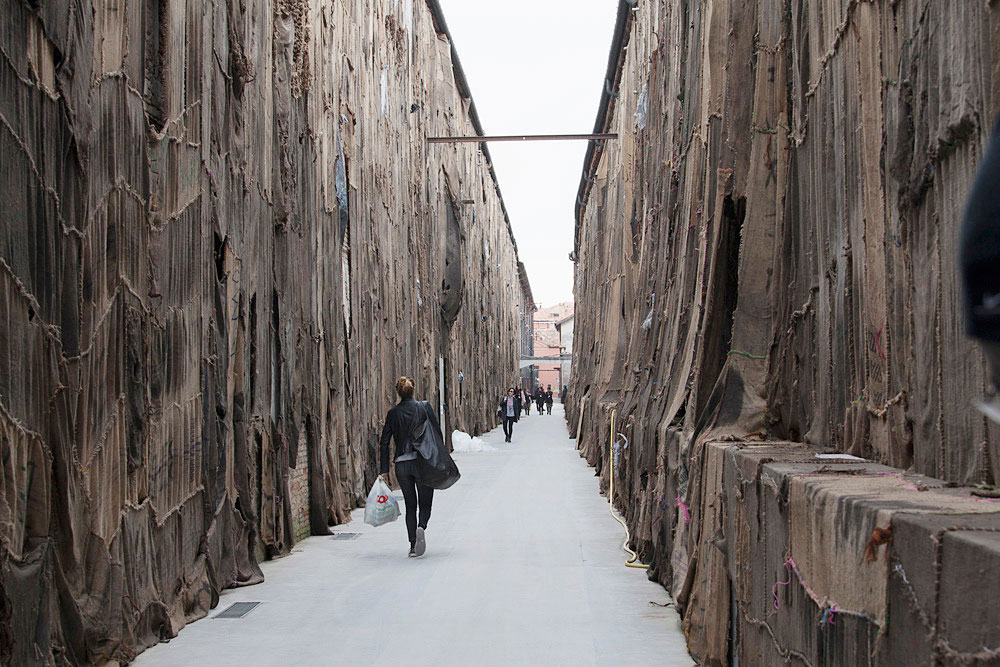 Out of Bounds by Ibrahim Mahama Venice Biennale 2015   Yellowtrace
