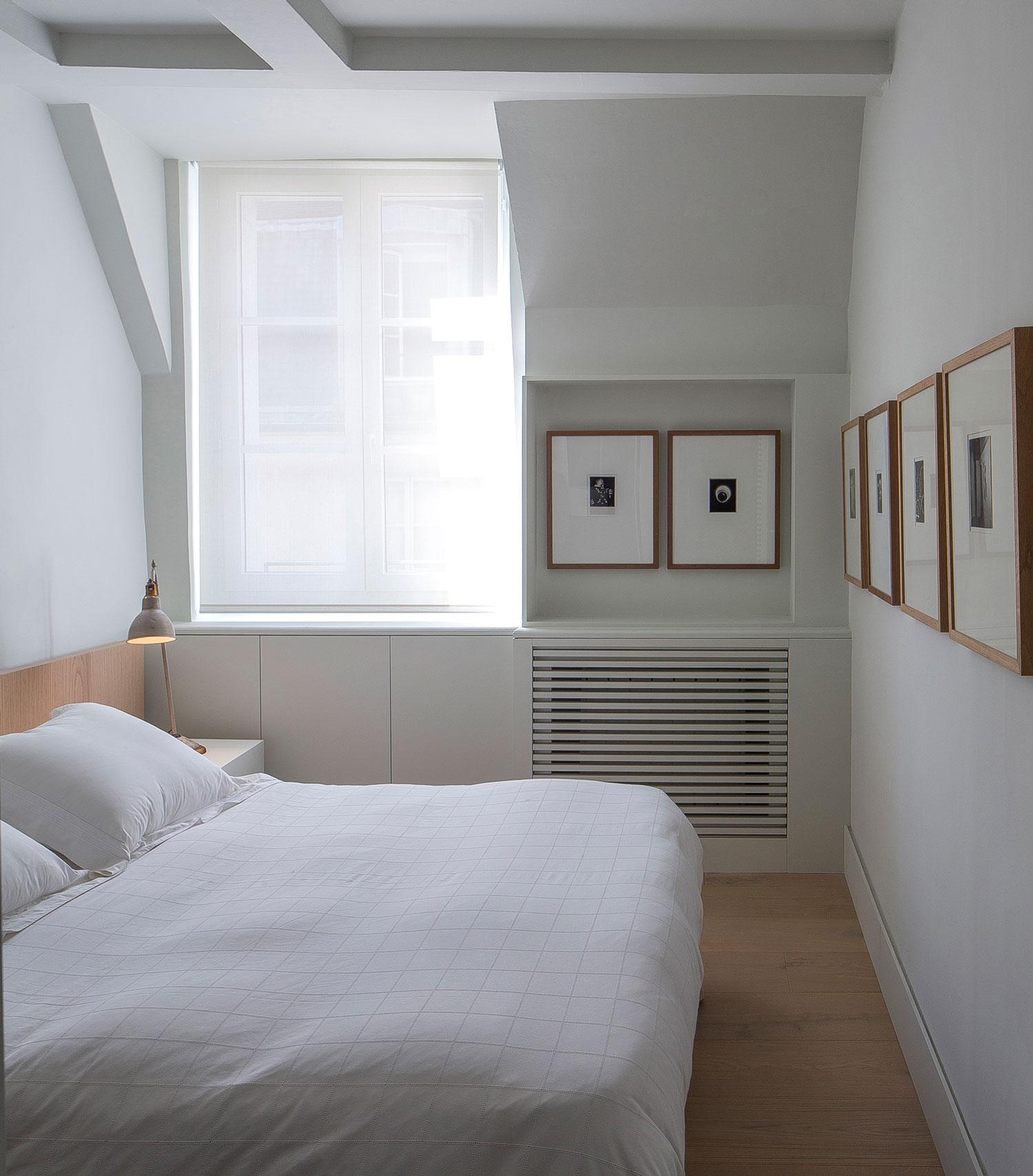 Apartment in Paris by Francesc Rife Studio   Yellowtrace