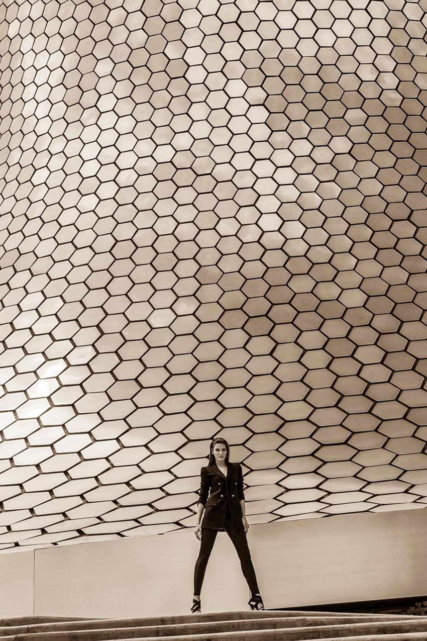 Leandro Enne Captures Architectural Style with Carmen Lopes Museo Soumaya Mexico City | Yellowtrace