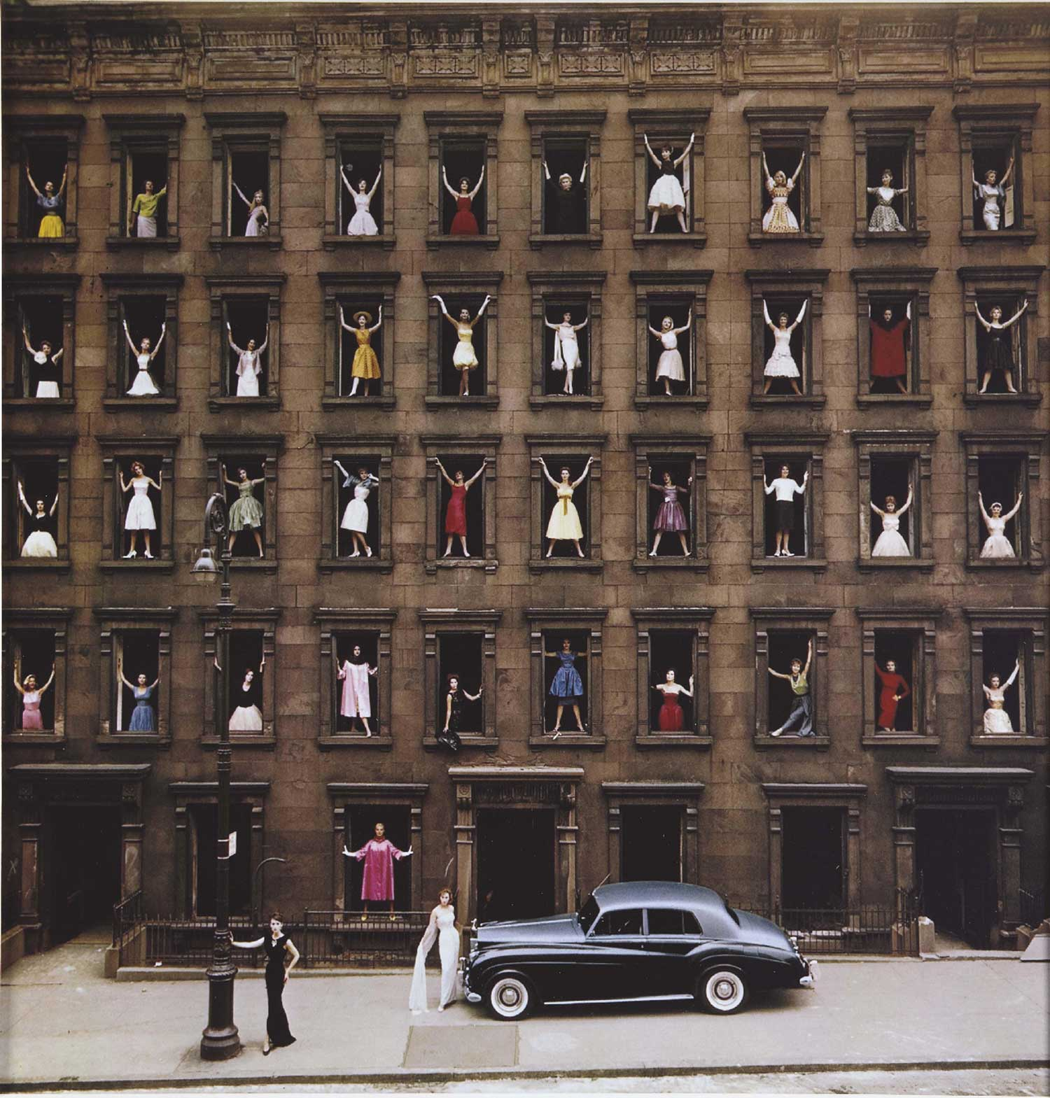 Ormond Gigli Girls in the Windows | Yellowtrace