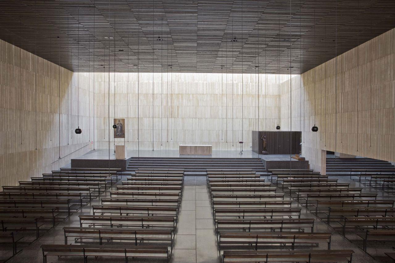 Iglesia San Jorge by Tabuenca & Leache | Yellowtrace