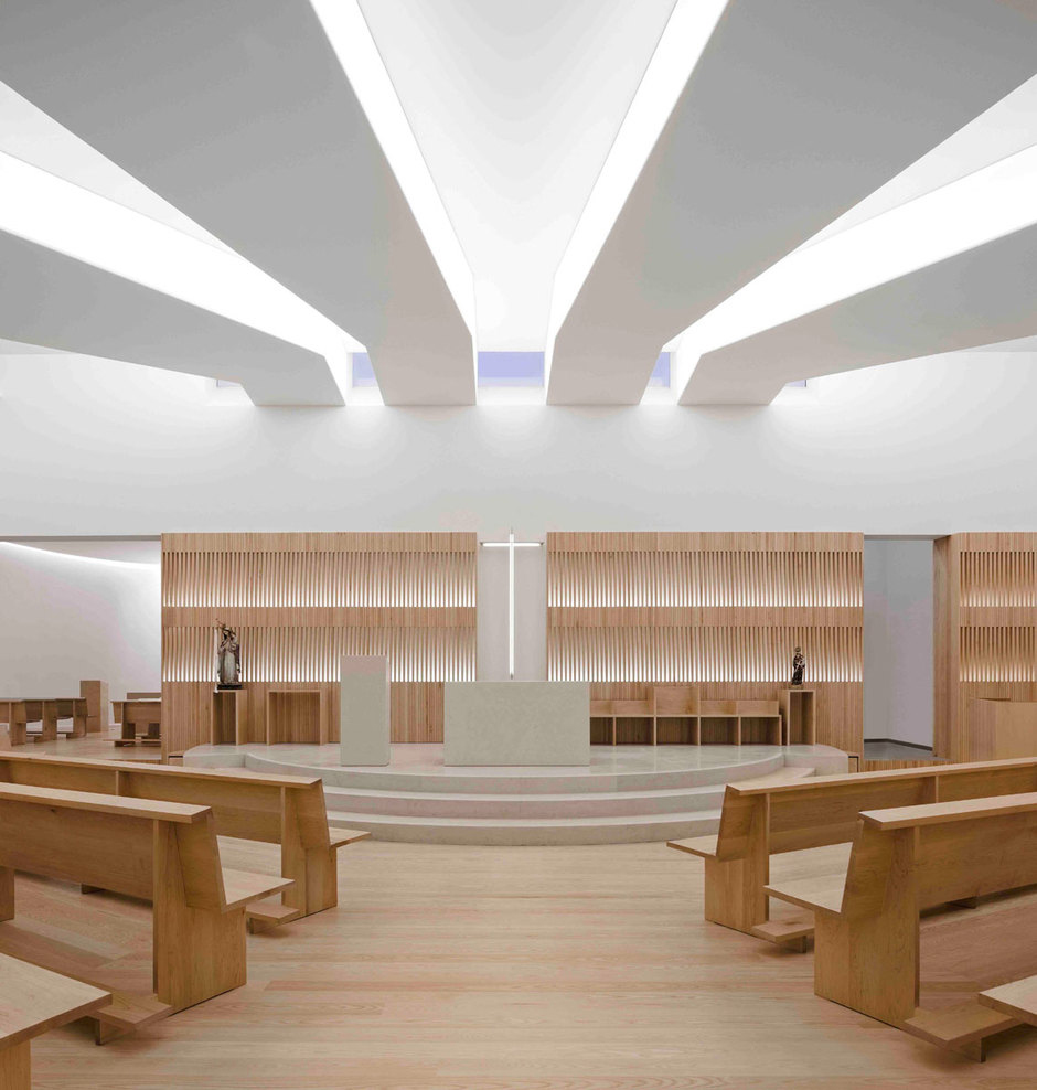 Stories on design take me to church yellowtrace for Church interior designs pictures