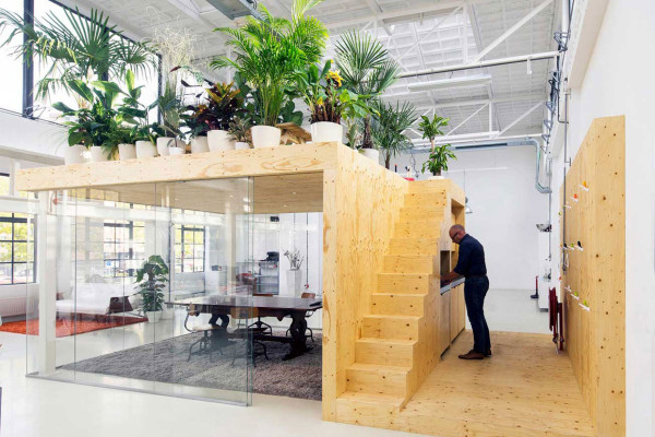 Loft Office in Rotterdam by jvantspijker | Yellowtrace