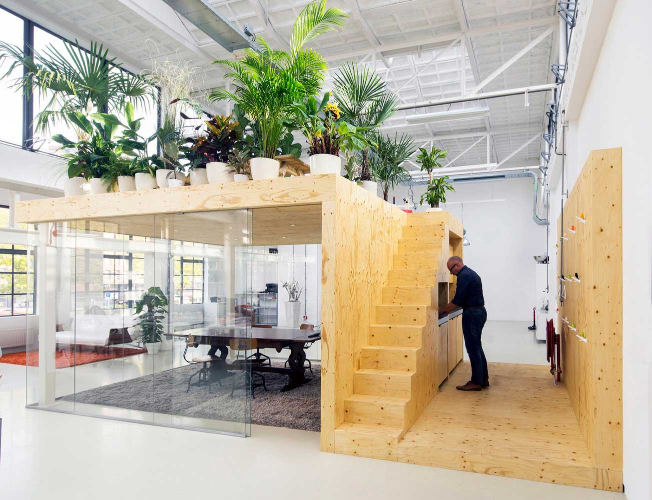 Loft Office in Rotterdam by jvantspijker | Yellowtrace