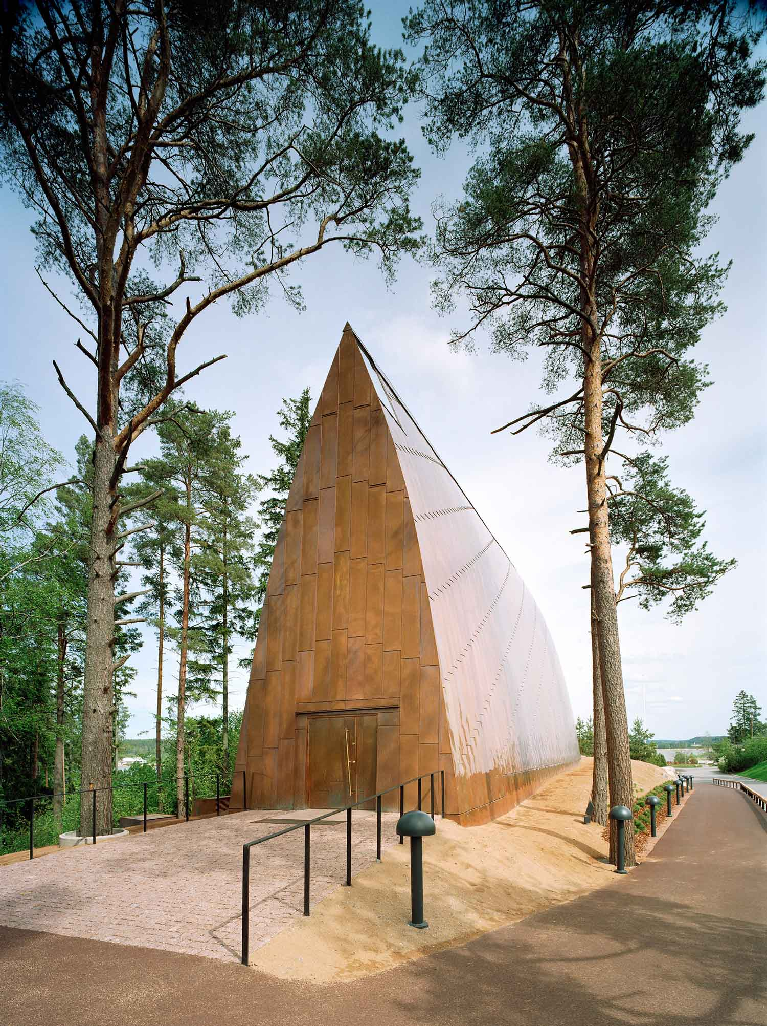 St Henry Ecumenical Art Chapel | Yellowtrace