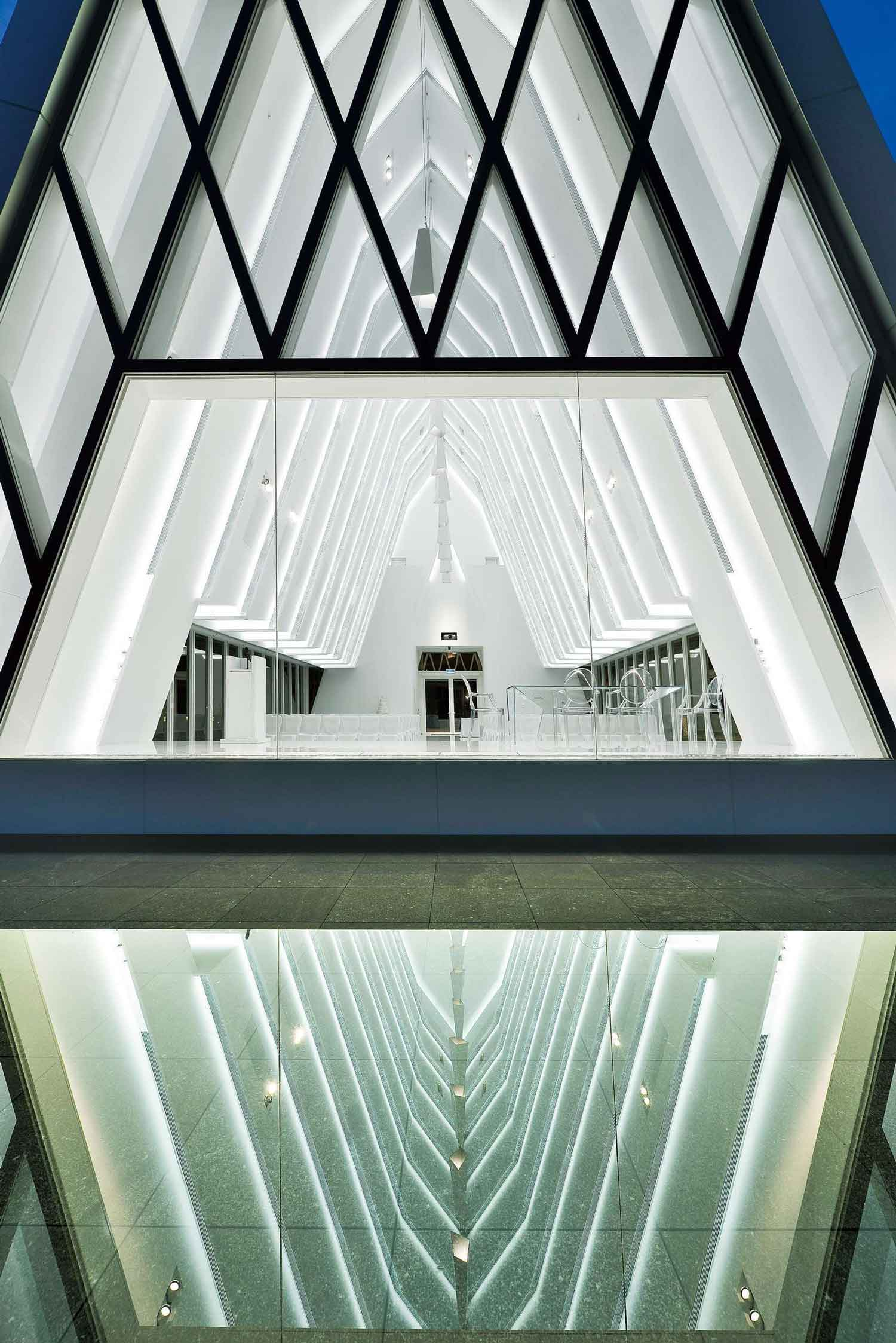 The White Chapel in Hong Kong by Danny Cheng | Yellowtrace