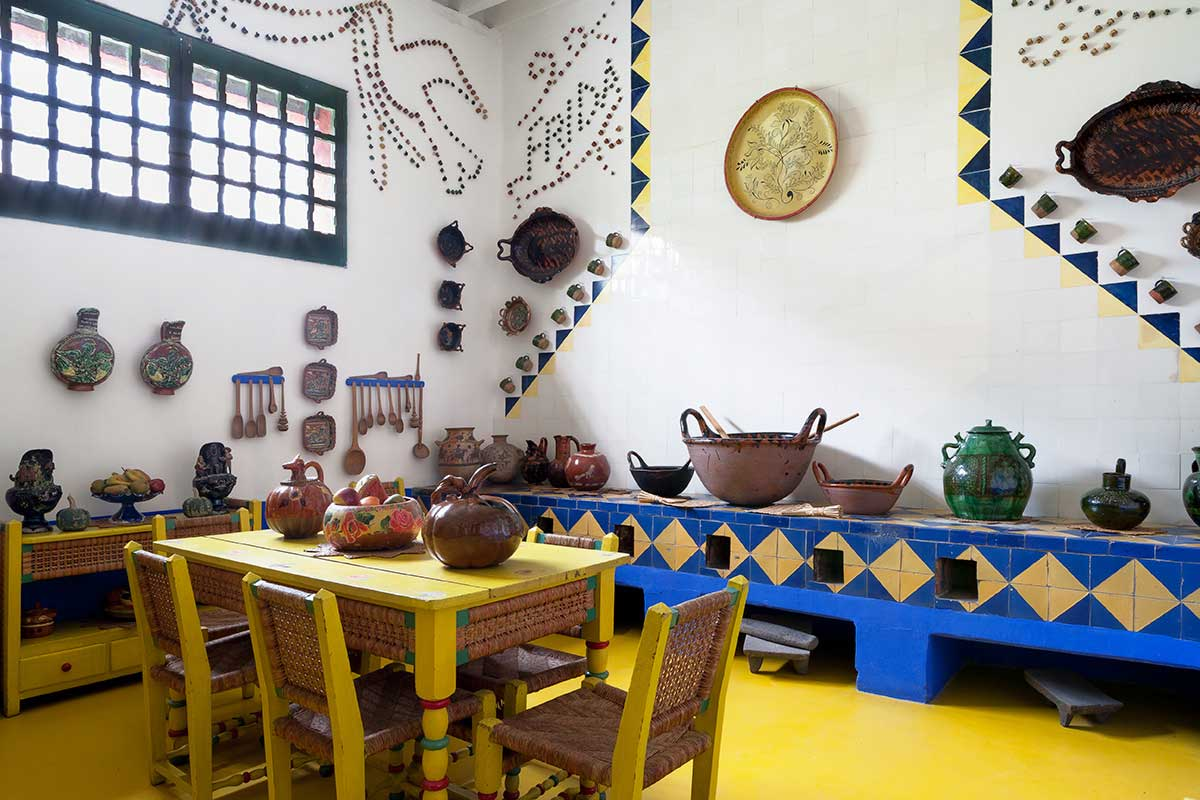 frida kahlo 39 s casa azul in coyoac n mexico yellowtrace