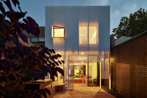 Mills The Toy Management House by Austin Maynard Architects | Yellowtrace