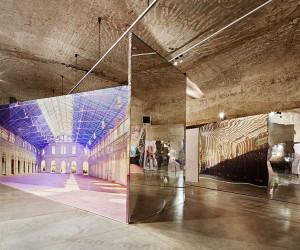 Mirrored Interior Installation by Inaki Ábalos | Yellowtrace