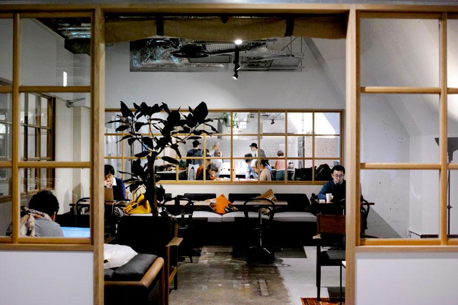 Multi-purpose shared space by Hiroyuki Tanaka in Japan | Yellowtrace