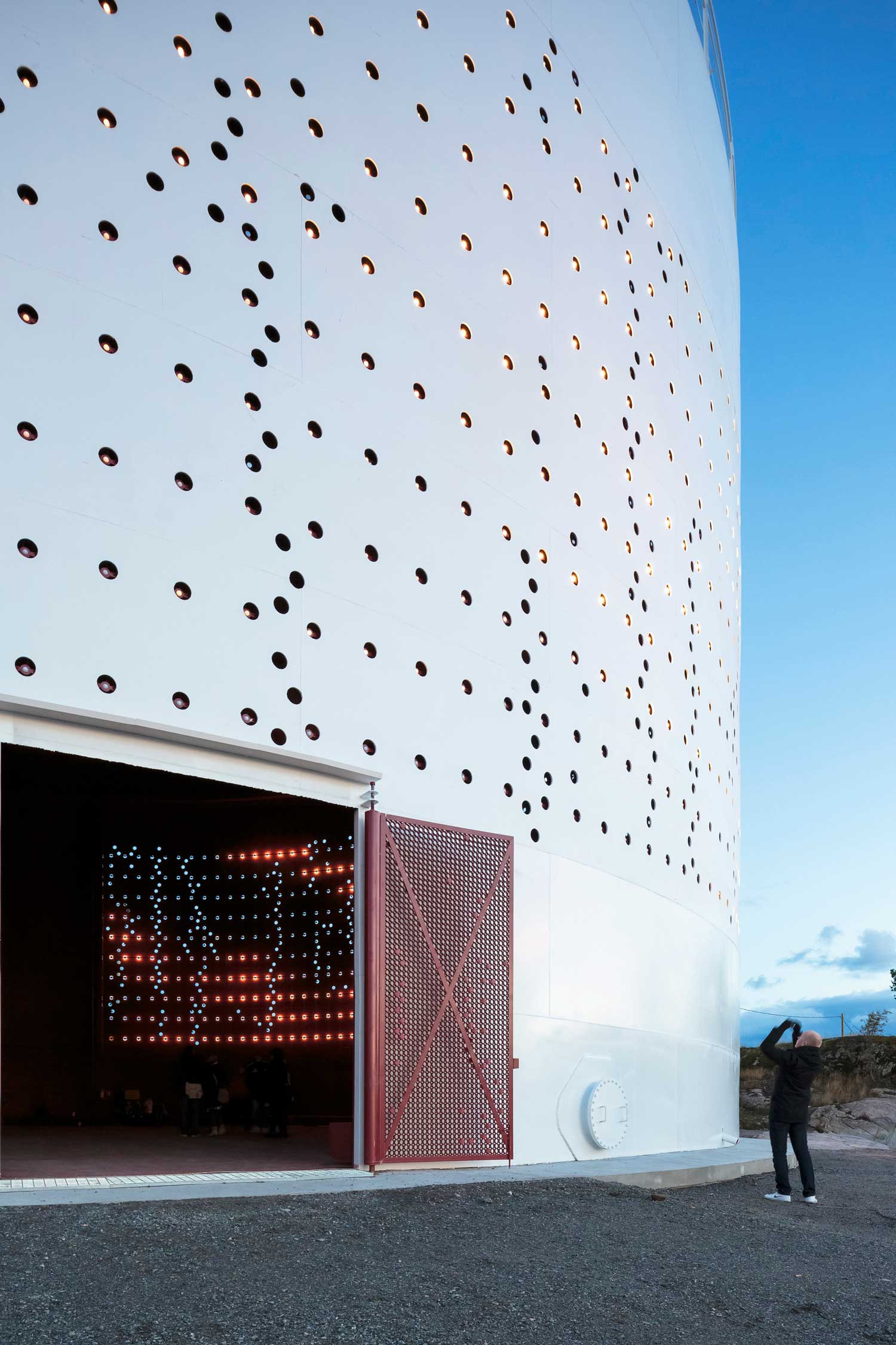 Silo 468 Urban Light Art Installation for City of Helsinki by Lighting Design Collective | Yellowtrace