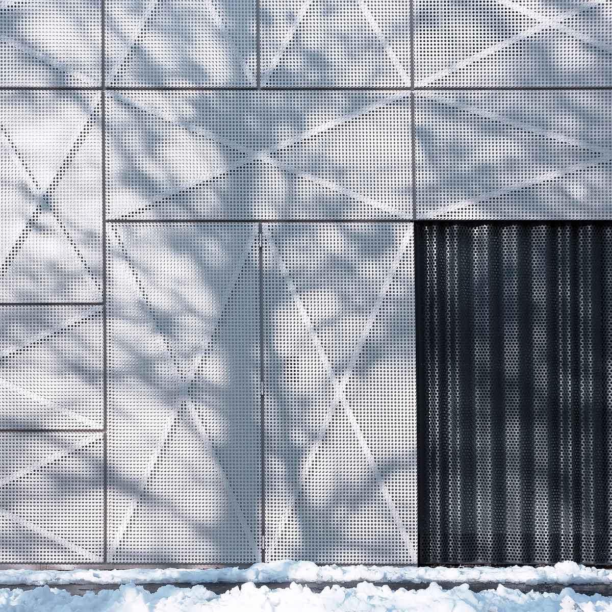 Villa Criss Cross Envelope by OFIS Architects | Yellowtrace