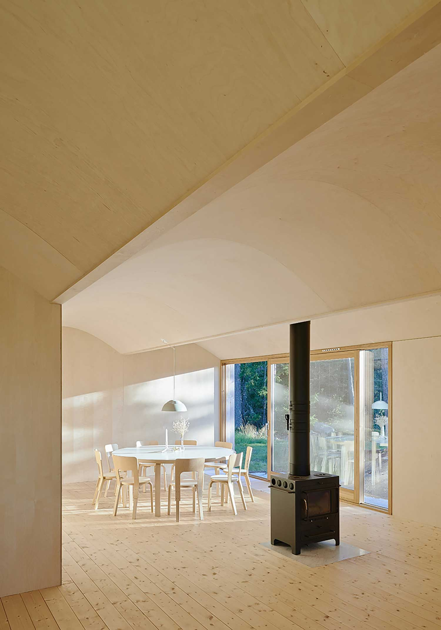 House Husarö in Stockholm, Sweden by Tham & Videgard Arkitekter | Yellowtrace
