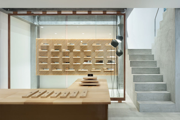 Japanese Knife Shop in Nigata by Yusuke Seki | Yellowtrace