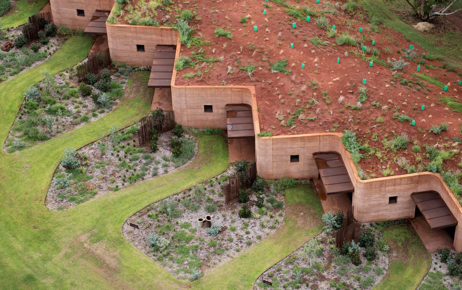 The Great Wall of WA by Luigi Rosselli Architects | Yellowtrace