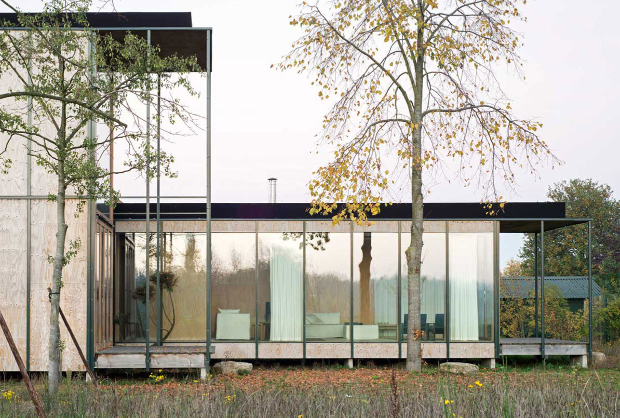 Weekend House in Wachtebeke, Belgium by GAFPA | Yellowtrace