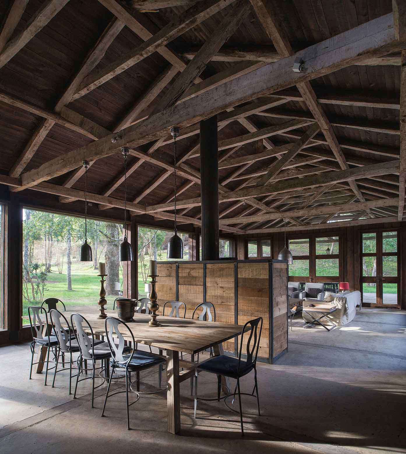 Barn House at Lake Ranco Chile by Estudio Valdes Arquitect | Yellowtrace