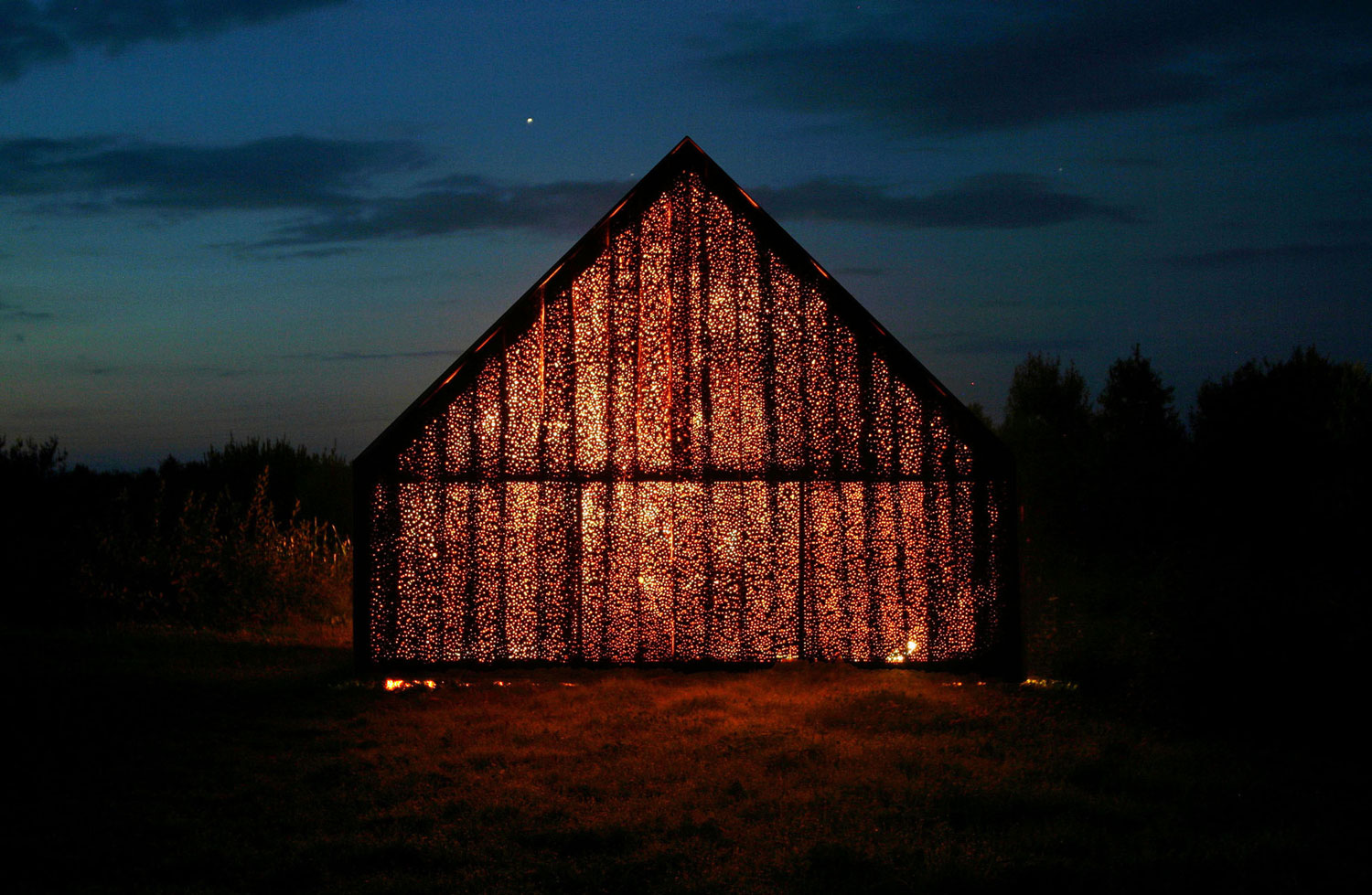 Barn by Project Meganom | Yellowtrace