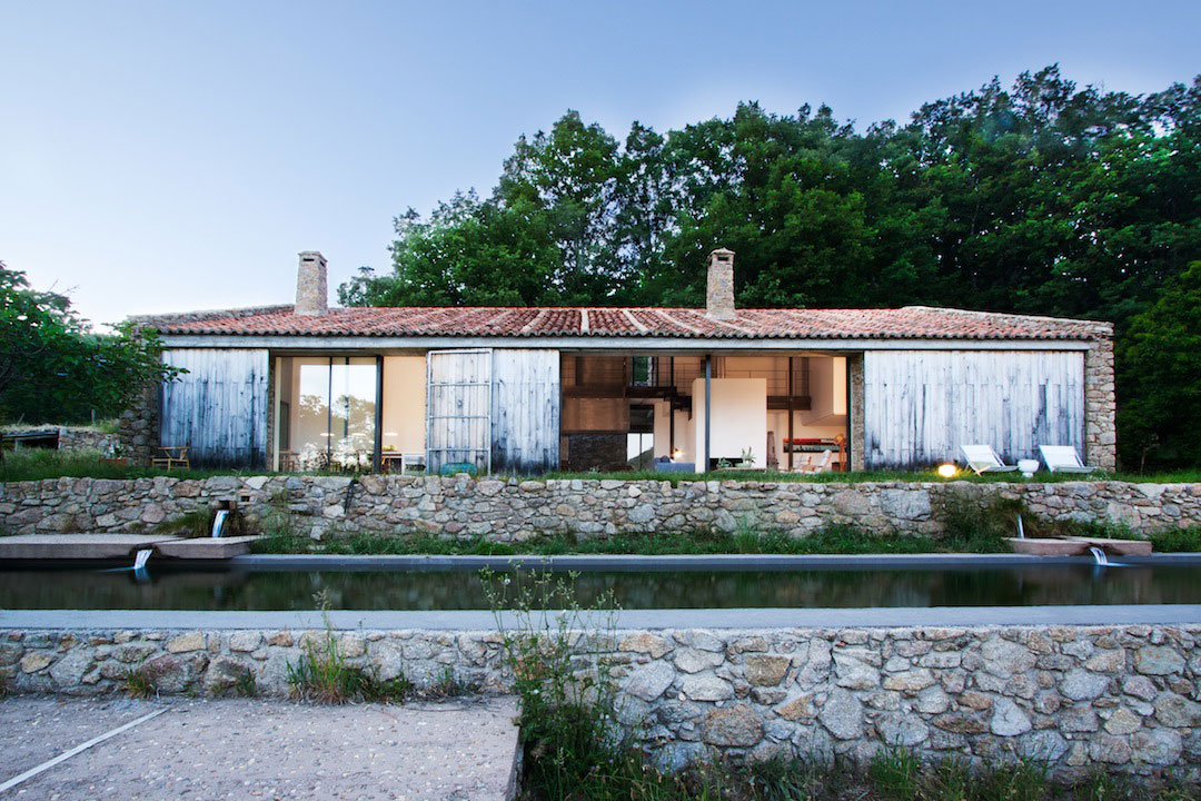Estate In Extremadura by Abaton Arquitectura | Yellowtrace