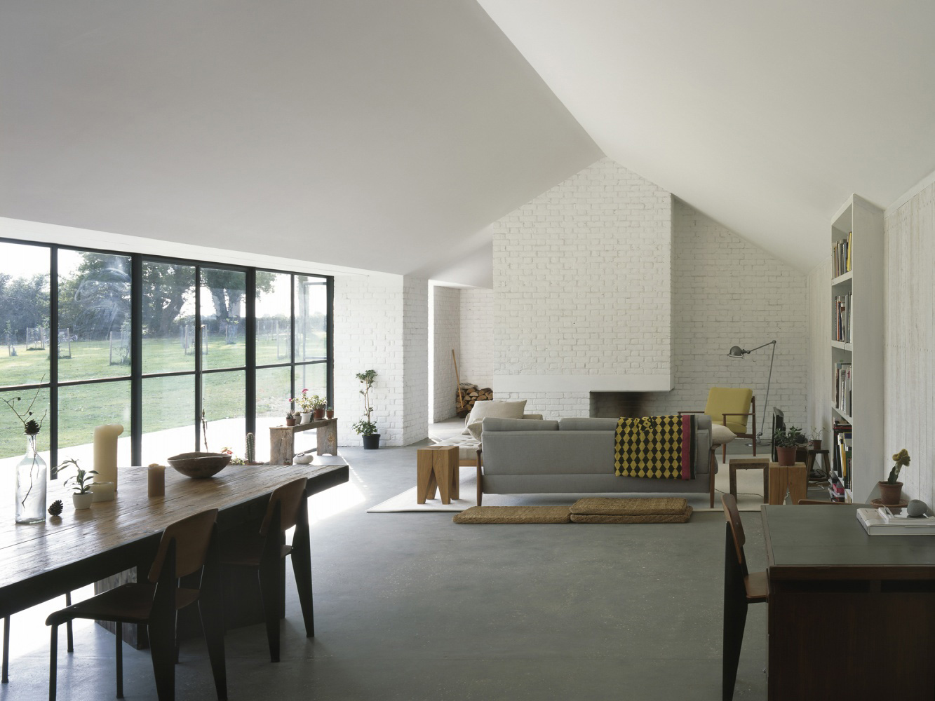 Stable Acre by David Kohn Architects | Yellowtrace