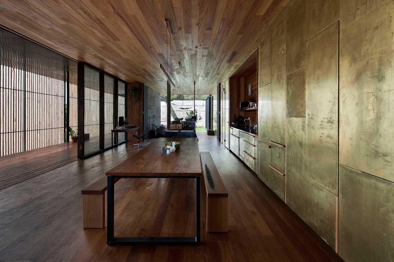 SawMill House by Archier Studio // Yackandandah, Regional Victoria | Yellowtrace