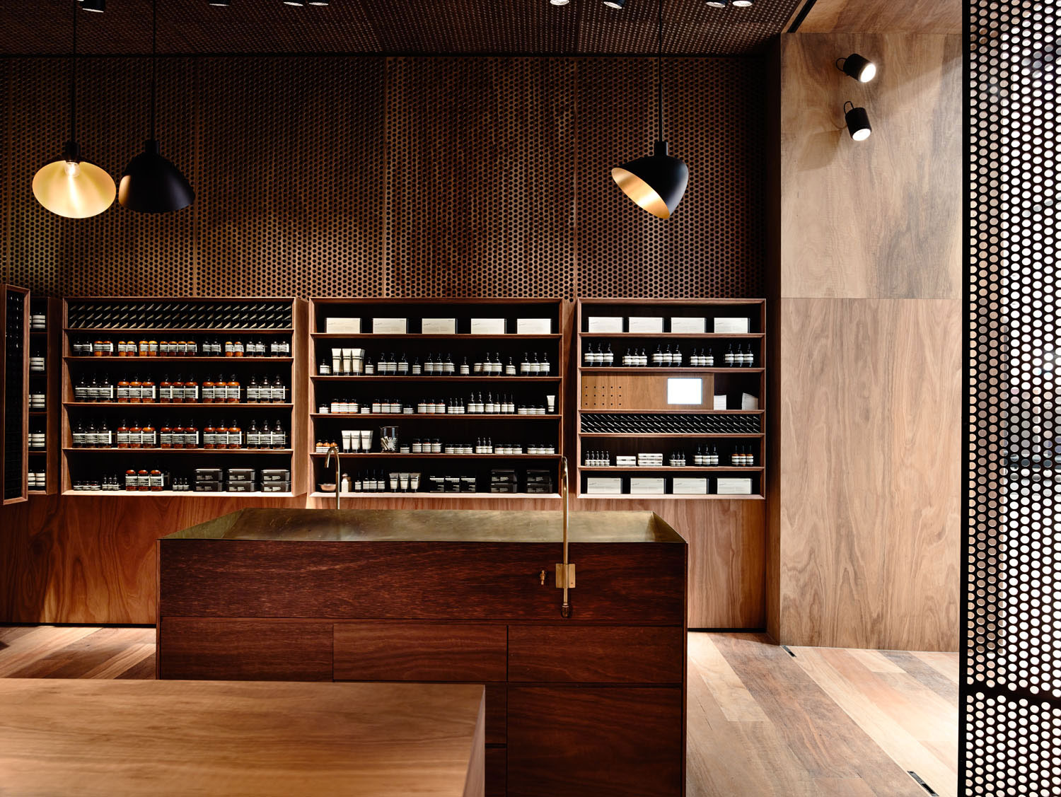 Aesop Emporium by Kerstin Thompson Architects. Photo by Derek Swalwell | Yellowtrace