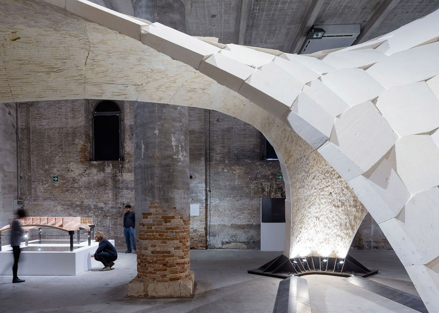 Armadillo Vault Beyond Bending Block Research Group Eth Zurich, Venice Architecture Biennale 2016. Photo by Iwan Baan   Yellowtrace