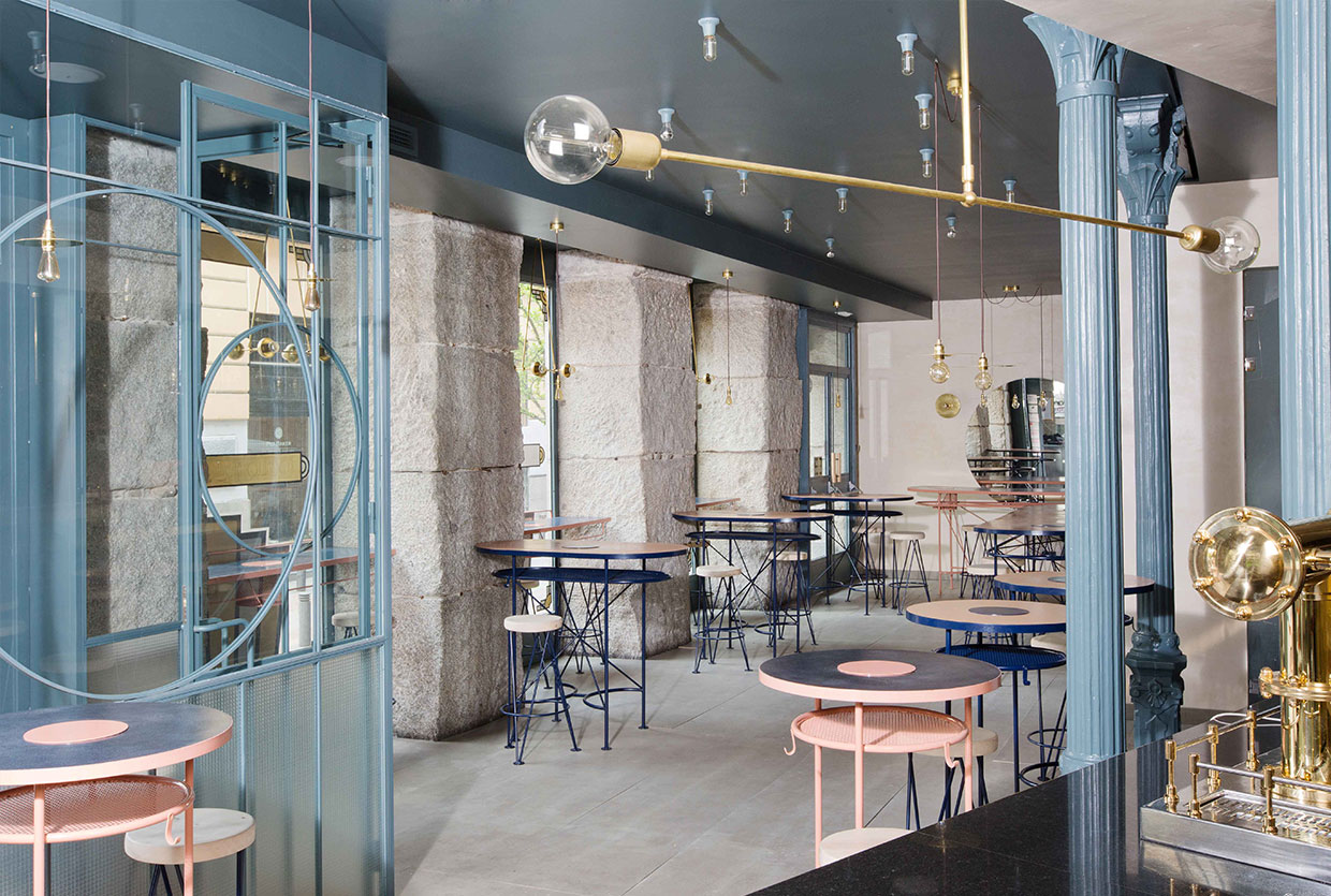 BOCADILLO DE JAMON Y CHAMPAN in Madrid by Lucas y Hernández-Gil | Yellowtrace