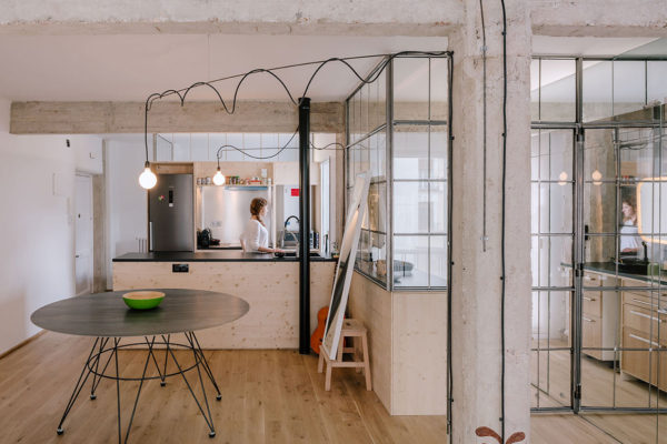Compact Madrid Apartment by Manuel Ocaña | Yelllowtrace