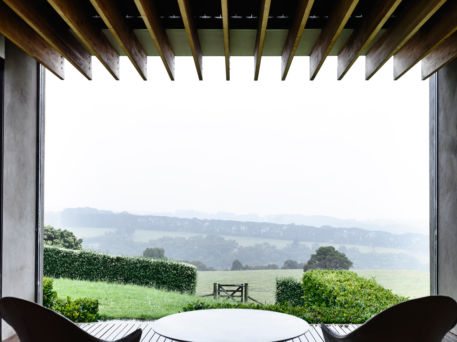 Country Villa by Kerstin Thompson Architects. Photo by Derek Swalwell | Yellowtrace