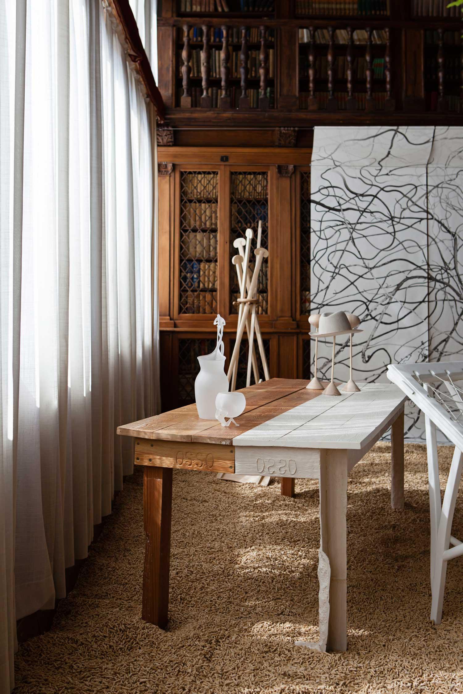 Design Ve Design Walks Through Venice Yellowtrace Bloglovin  # Meuble Tv Murale Meuble Tv Murale Design Ronna Mobilo Design