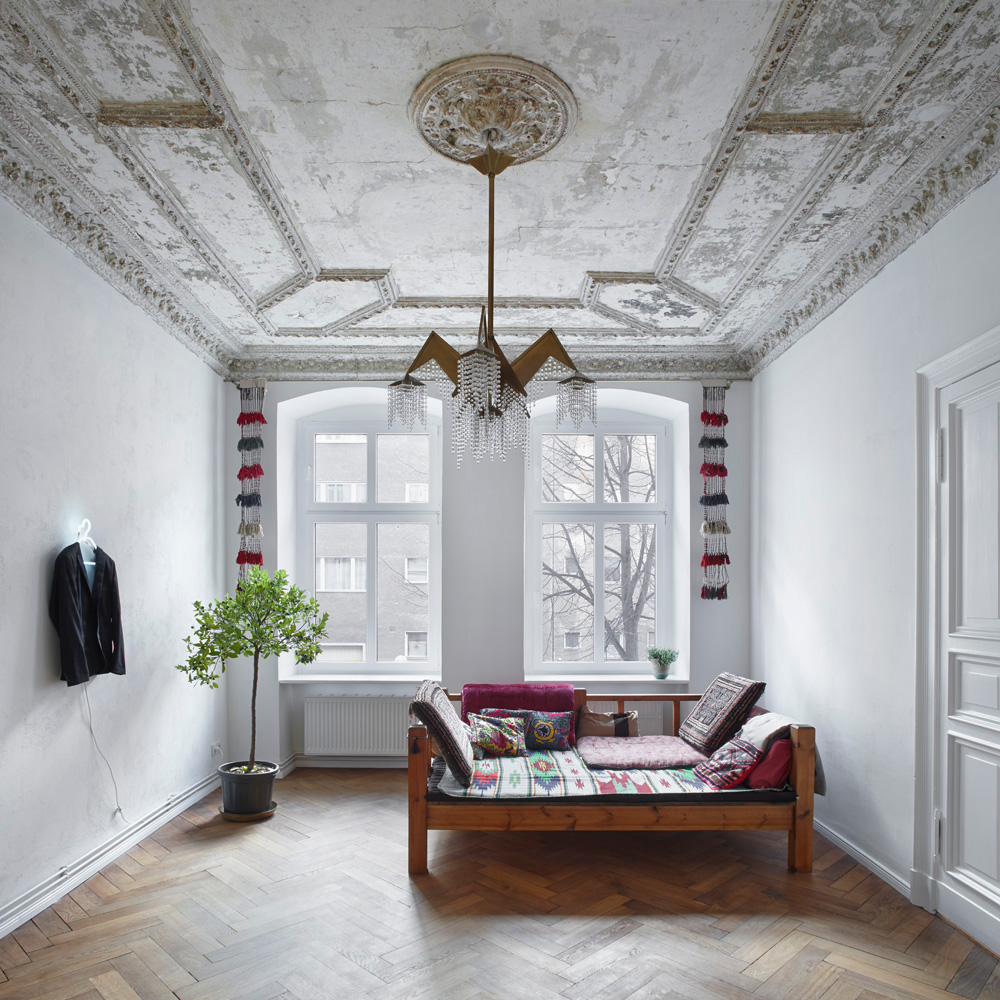 Heritage Apartments: Berlin Heritage Apartment By Marc Benjamin Drewes
