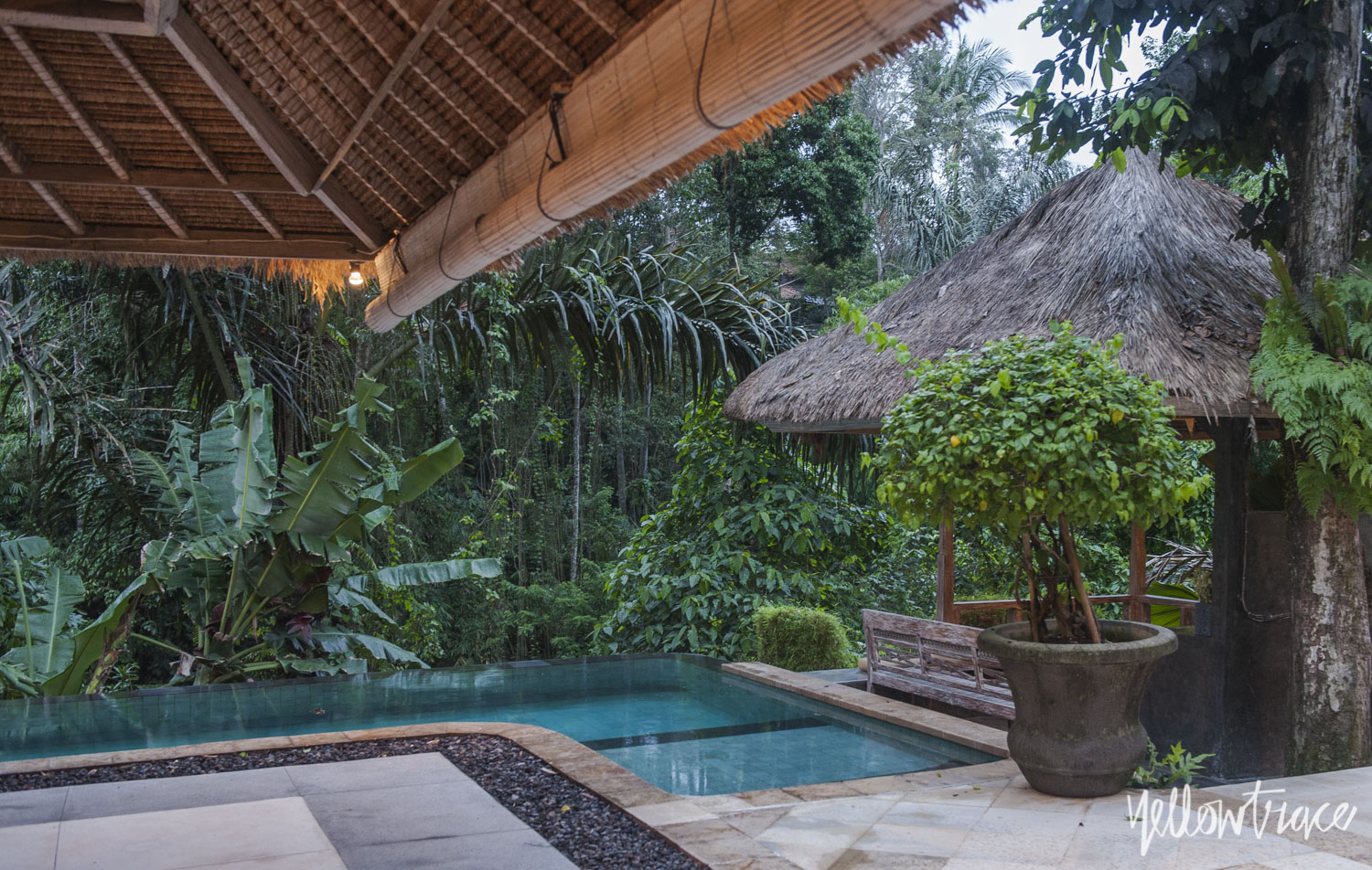 Villa Sungai Gold Bali in the evening, Photo © Nick Hughes | Yellowtrace