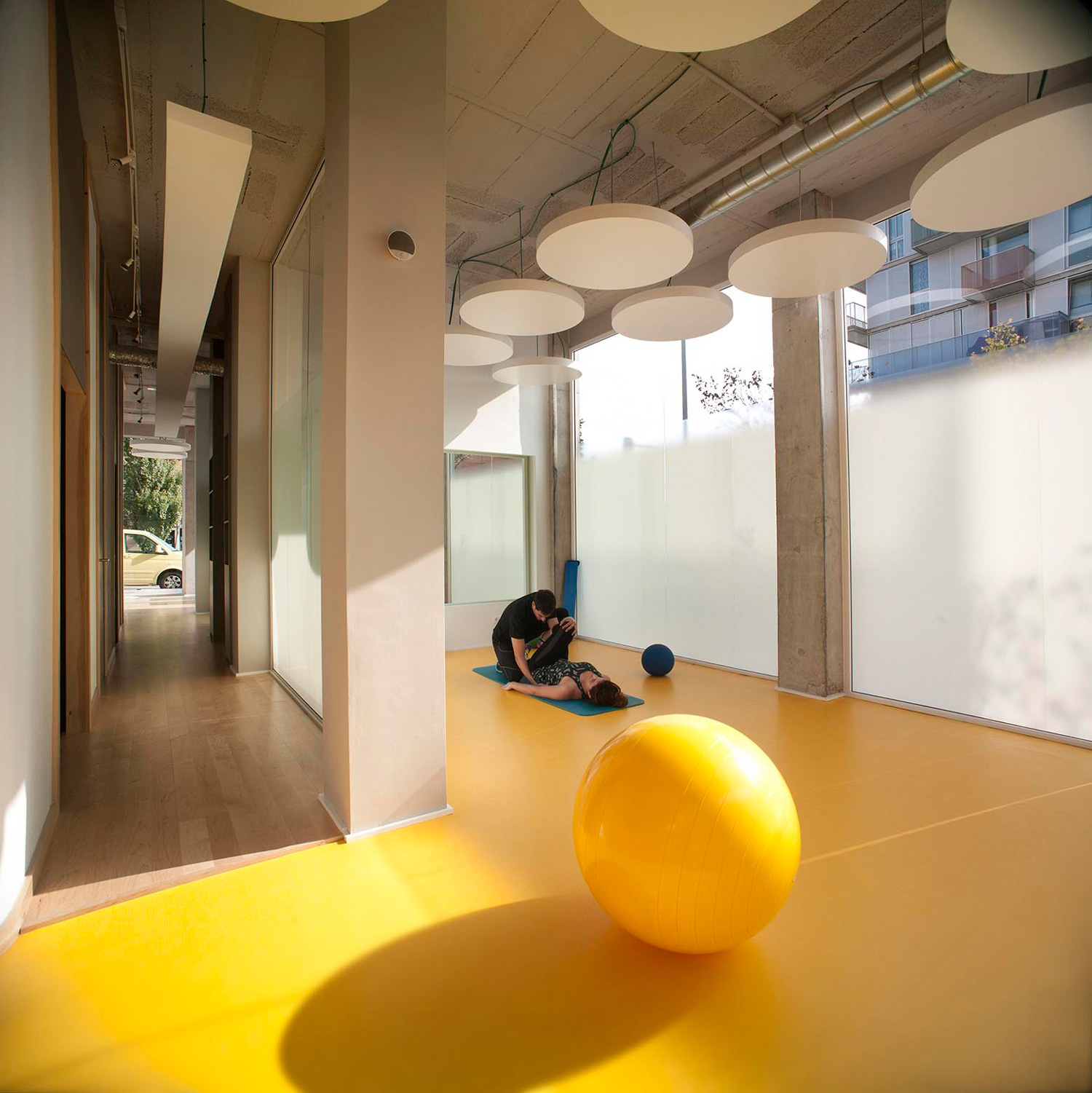 Active Therapy Center R3 by Gabriel Gomera Studio | Yellowtrace
