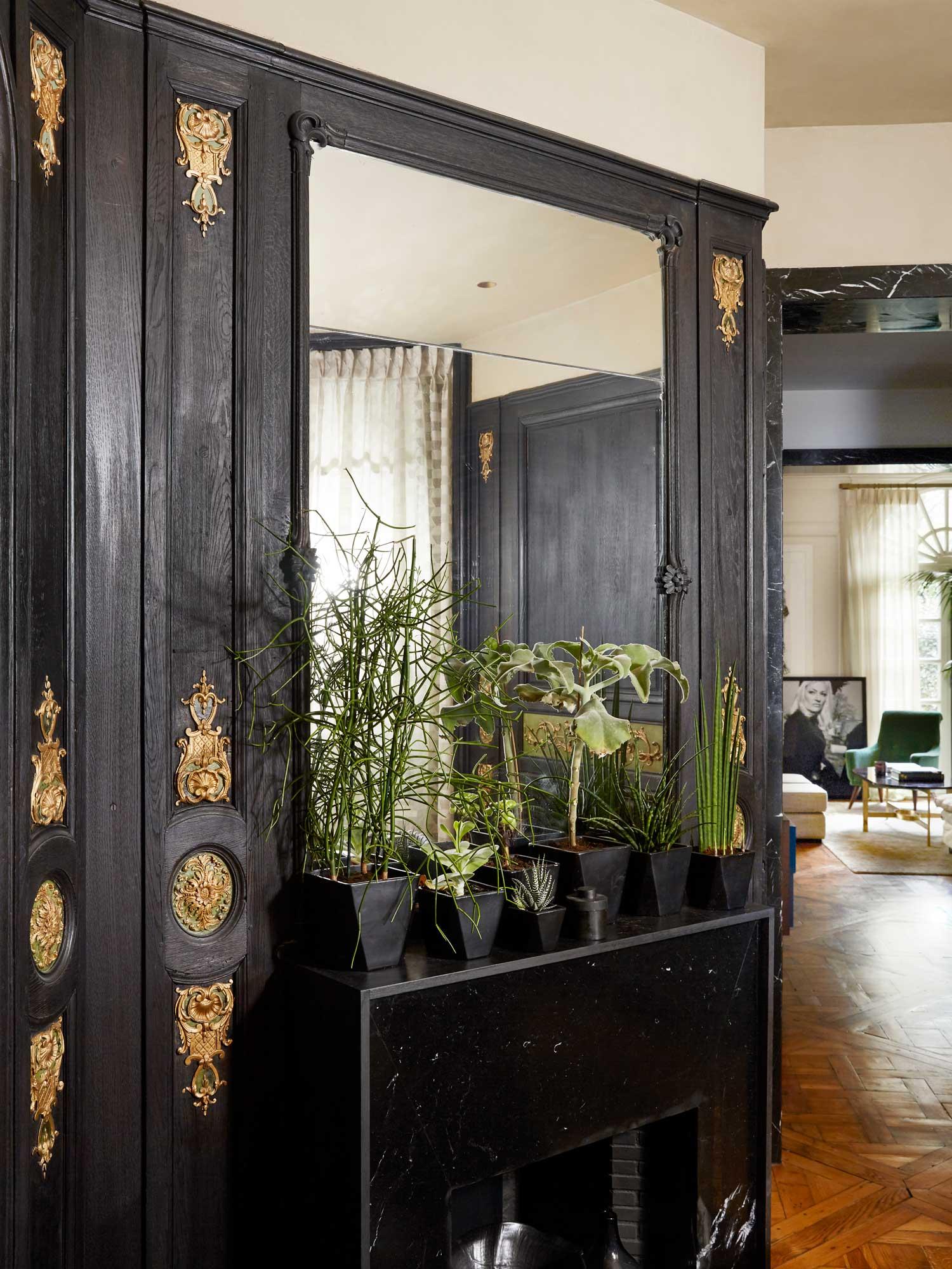 Henri Martin Paris Apartment By Laura Gonzalez Yellowtrace