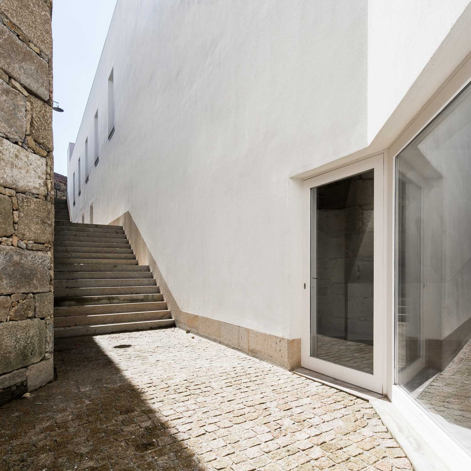 nuec mmap museums in portugal by alvaro siza eduardo souto de moura yellowtrace