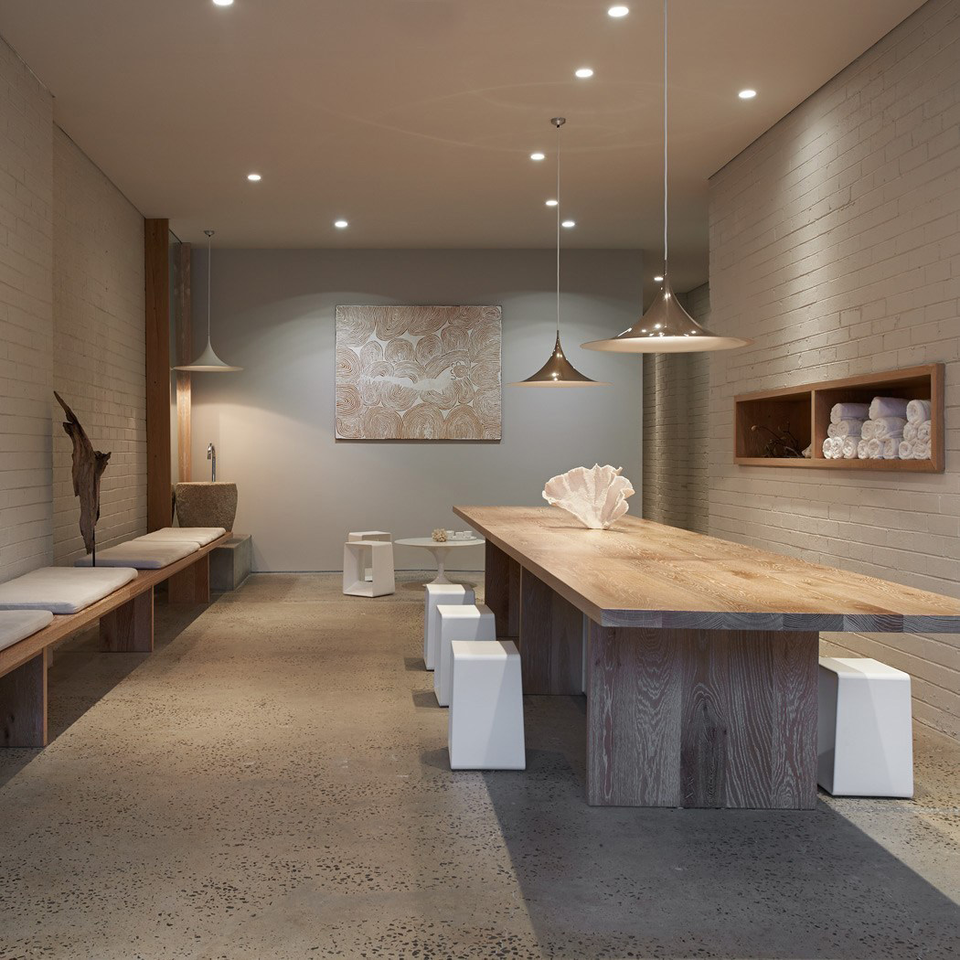 One Hot Yoga in Melbourne by Rob Mills | Yellowtrace