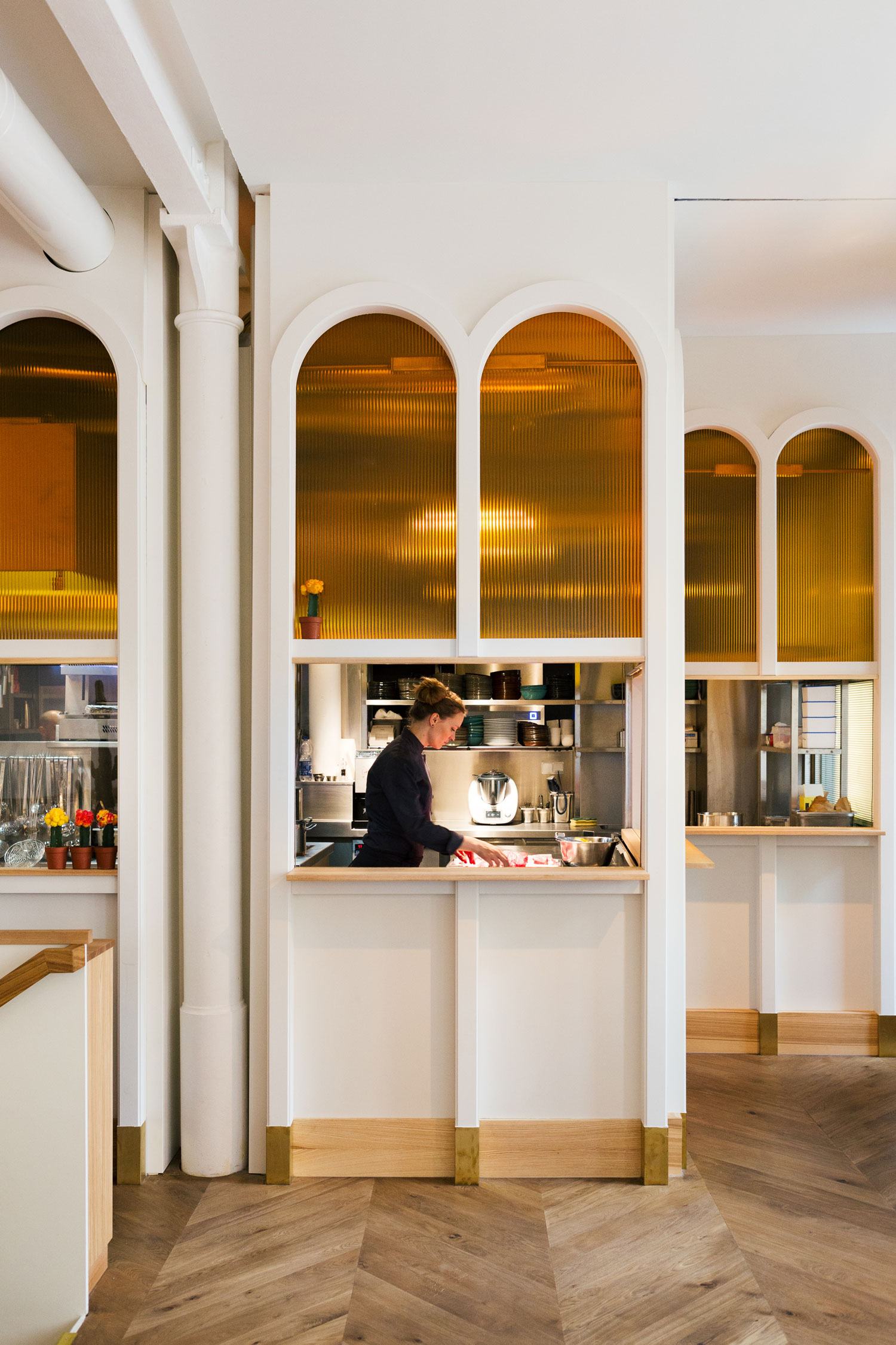 panama restaurant bar in berlin yellowtrace. Black Bedroom Furniture Sets. Home Design Ideas