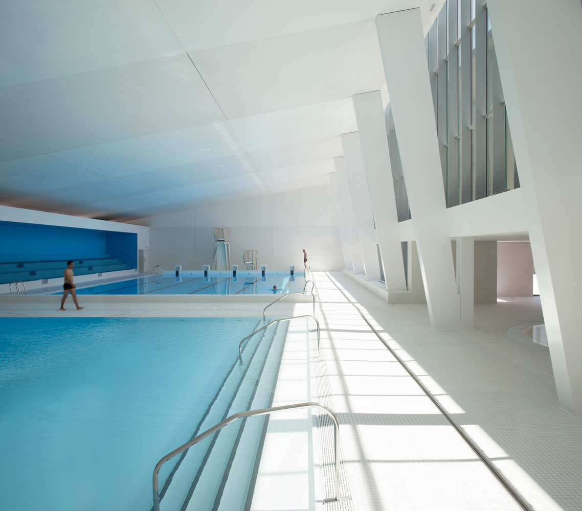 Swimming Pool Extension in Bagneux by Dominique Coulon & associes | Yellowtrace