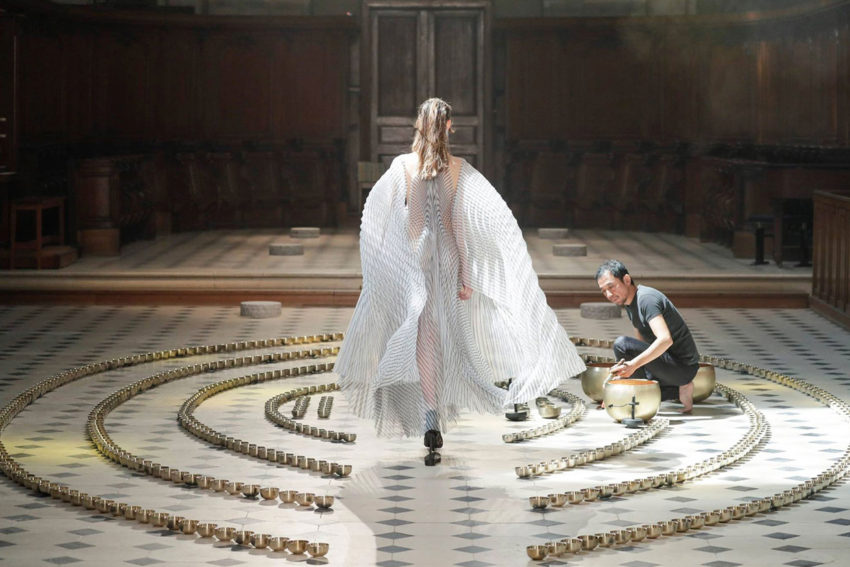 Conceptual High-Tech Haute Couture Collection by Iris van Herpen Inspired by Sound Waves   Yellowtrace