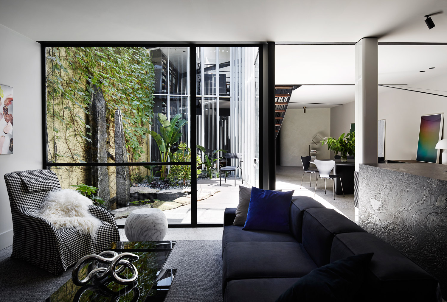 Fitzroy House by Fiona Lynch Design Office | Yellowtrace
