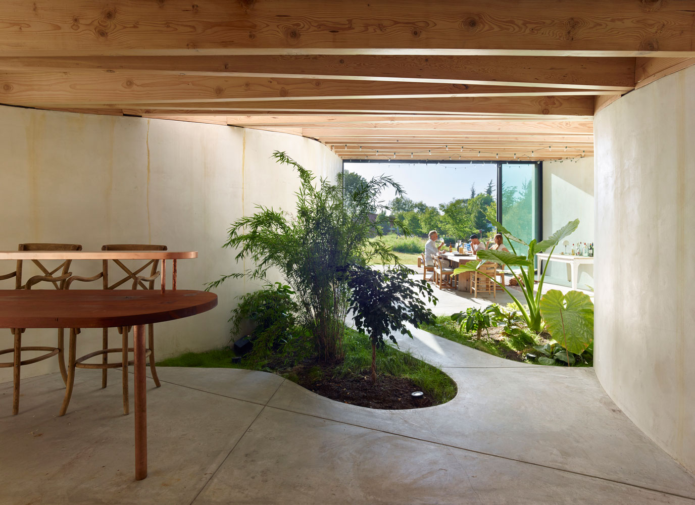 Luscious Artist Studio in Sonoma with Indoor Garden by Mork-Ulnes Architects | Yellowtrace