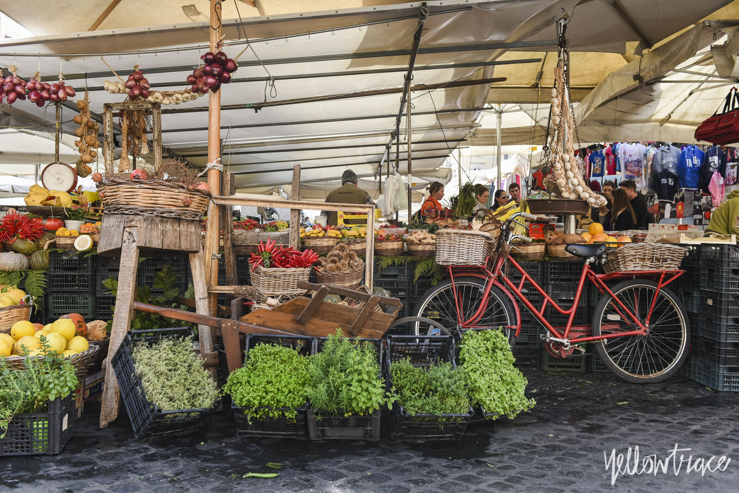 Campo de' Fiori Rome, Photo © Nick Hughes | Yellowtrace