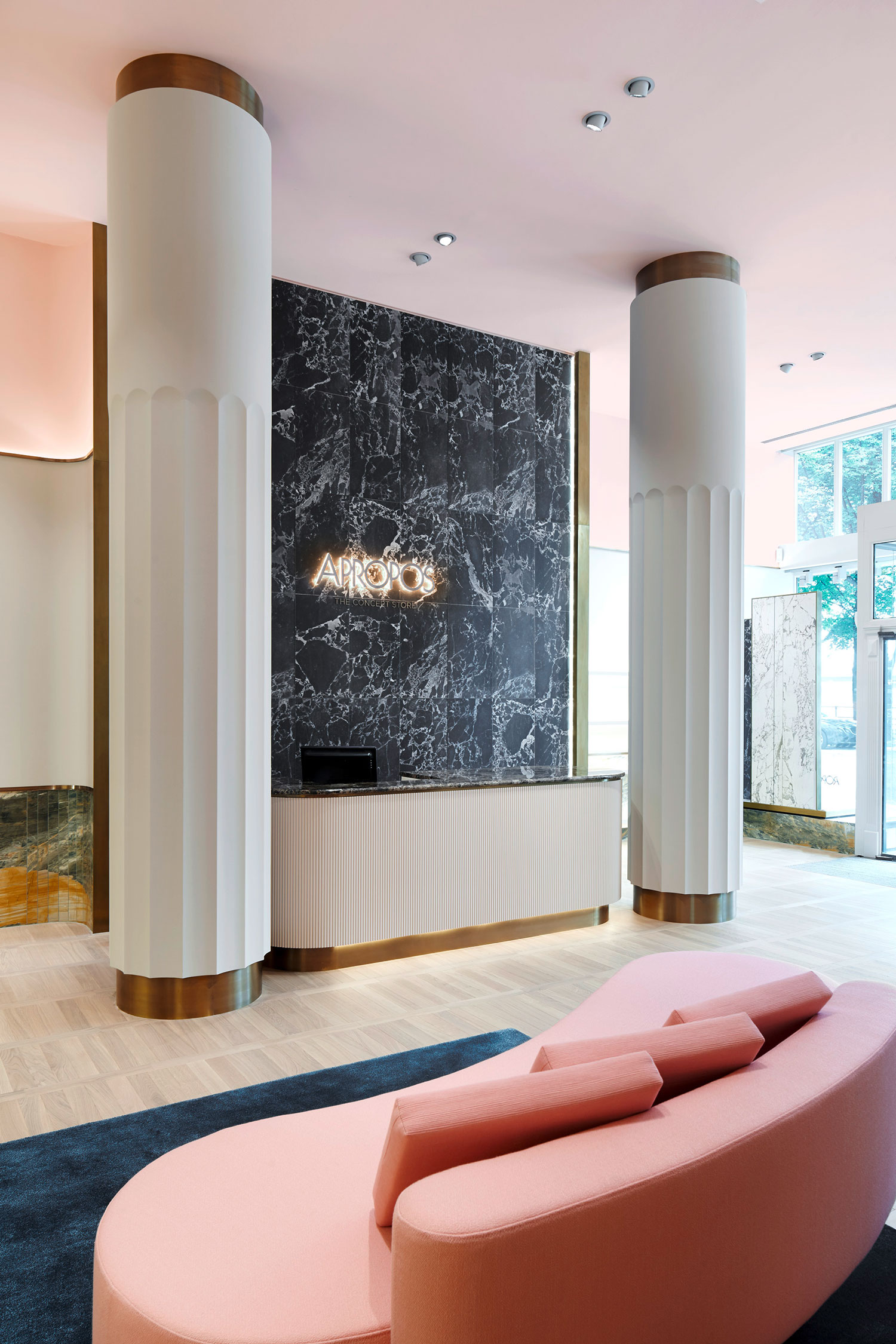 Apropos Concept Store in Hamburg by Rodolphe Parente & Benjamin Liatoud | Yelllowtrace