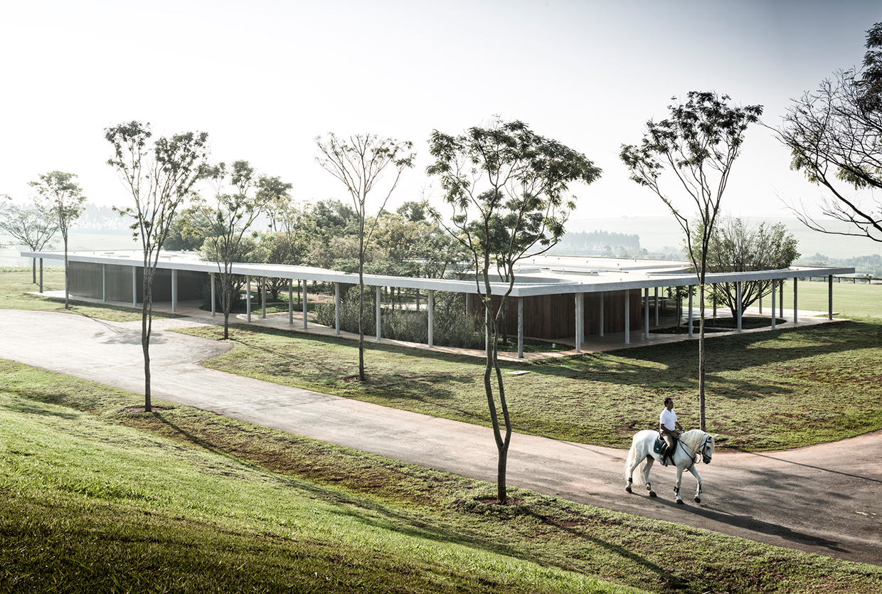 Equestrian Centre Clubhouse By Isay Weinfeld Yellowtrace