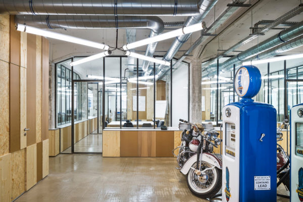 Office Interior in Strasbourg by Nicola Spinetto + Stephane Raza   Yellowtrace